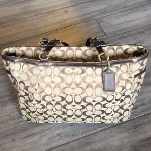 COACH brown signature purse EXCELLENT condition